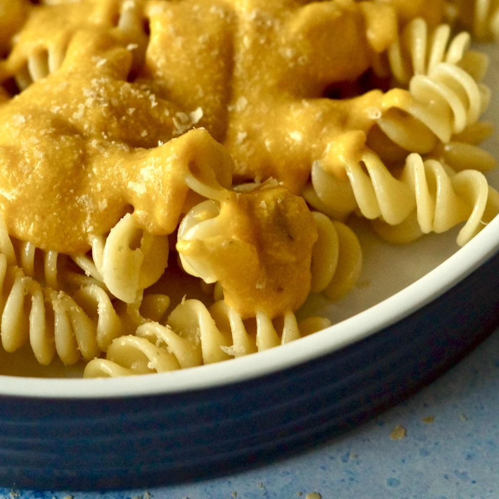Verwertung von Kürbissuppe – Vegan Mac and Cheese