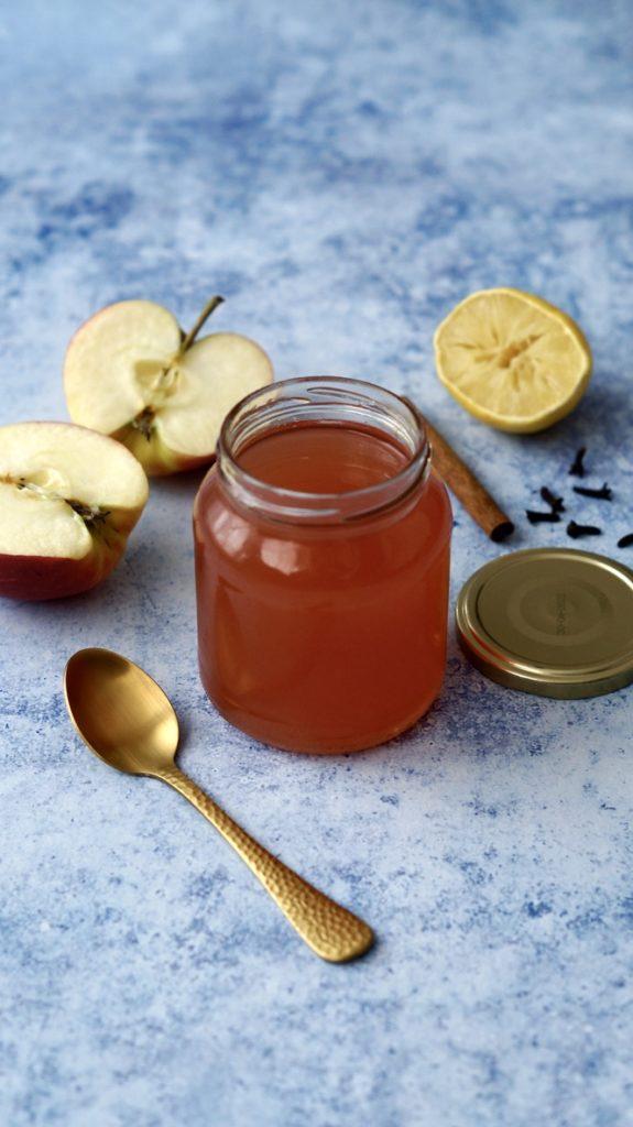 Apfelschalen verwerten - Winterliches Apfelgelee