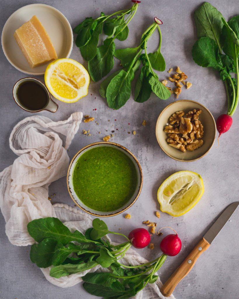 Pesto aus Radieschengrün