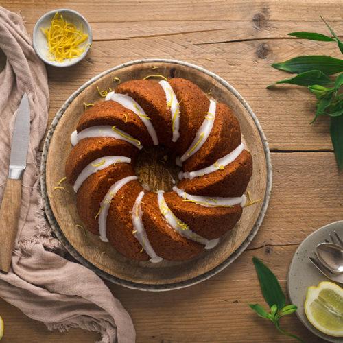 Zitronen-Buttermilch-Gugelhupf