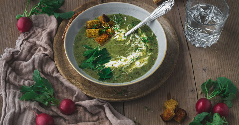 Radieschenblätter verarbeiten: Radieschengrün-Suppe