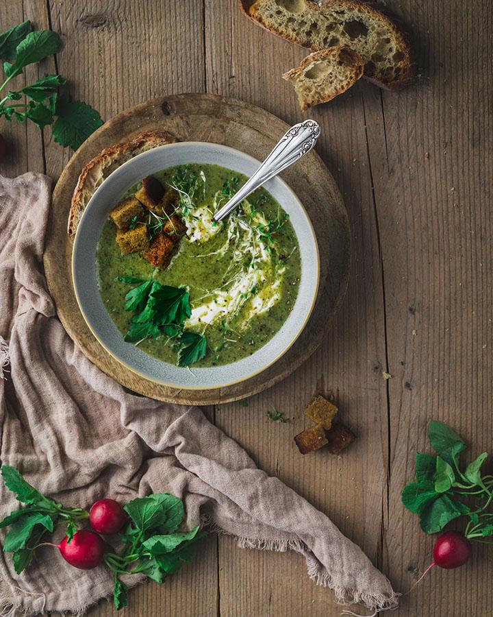 Radieschengrün-Suppe