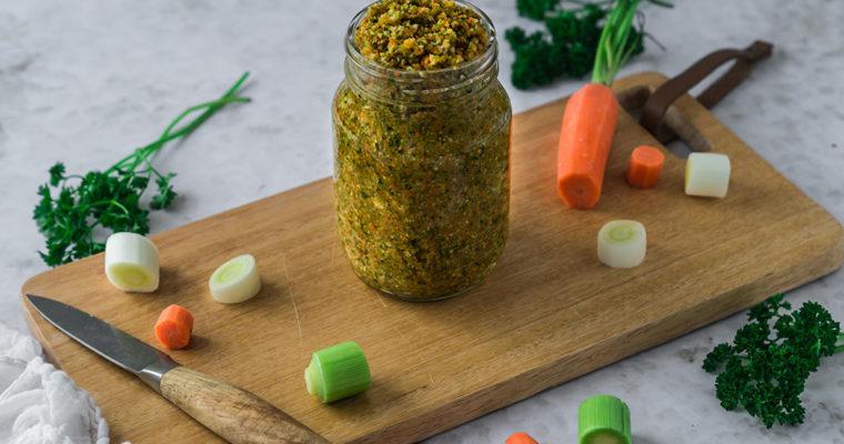 Selbstgemachte Gemüsebrühe – Suppengrün verwerten