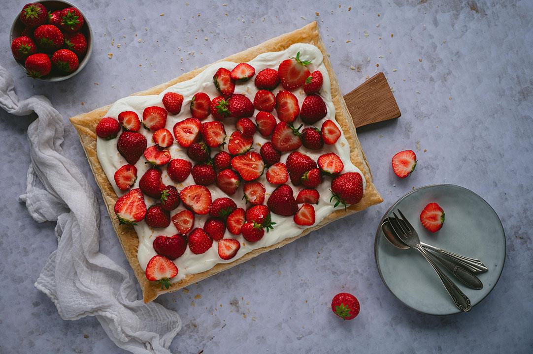 Blätterteigtarte mit Erdbeeren – schnell und einfach