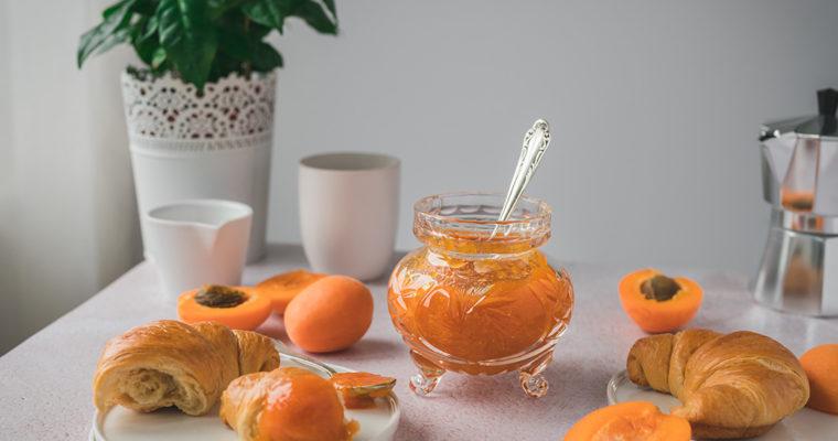 Selbstgemachte Aprikosenmarmelade aus 2 Zutaten