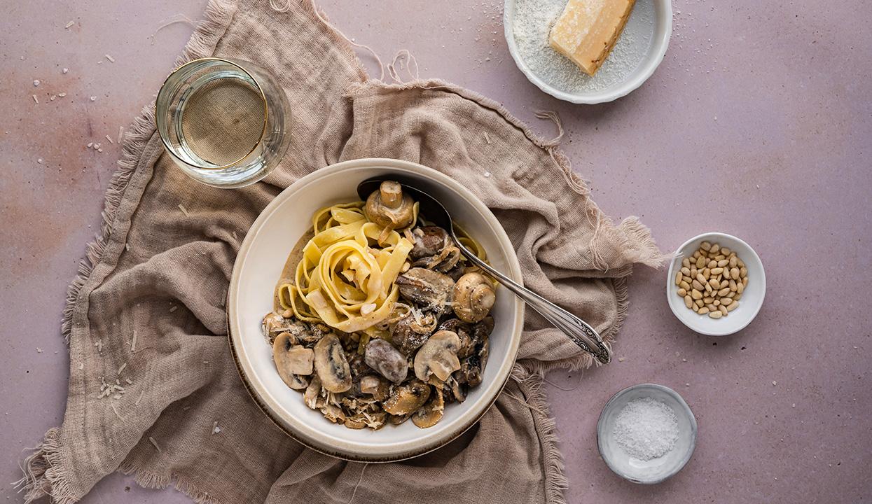 Pasta mit Champignon-Rahmsauce